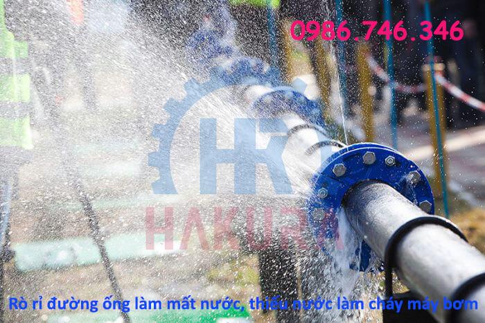 Rò rỉ đường ống làm mất nước, thiếu nước và cháy máy bơm - Hakura.vn